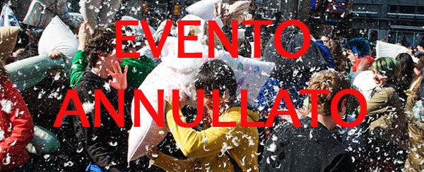Un evento unico per Angri: la guerra dei cuscini (PILLOW FIGHT) sabato 6 aprile 2013