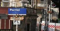 Dopo 1 anno ancora bloccata la linea ferroviaria tra Torre Annunziata e Napoli